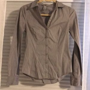 H&M button down fitted blouse size 4
